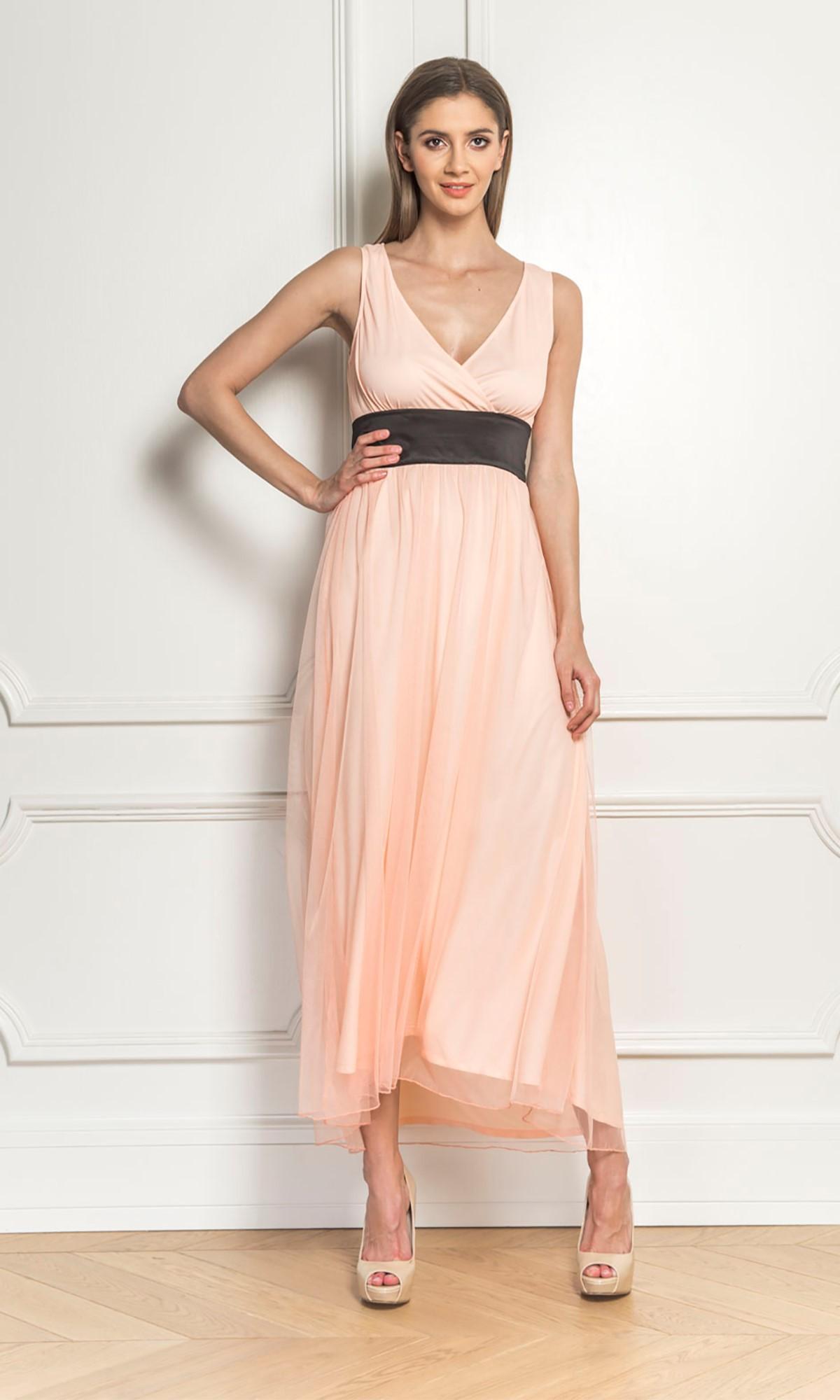 Sukienka tiulowa w kolorze jasnoróżowym