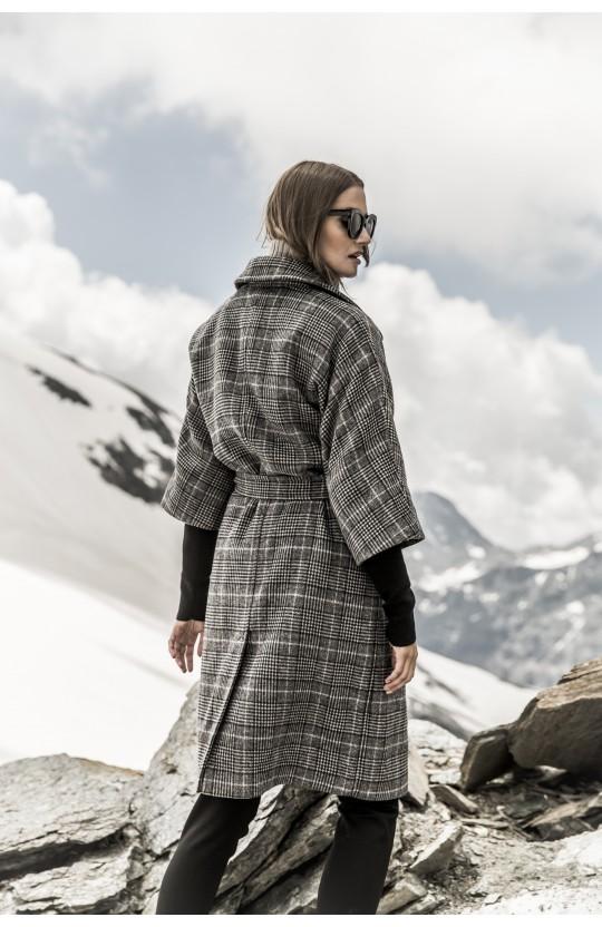 Płaszcz zimowy w kratkę, 267