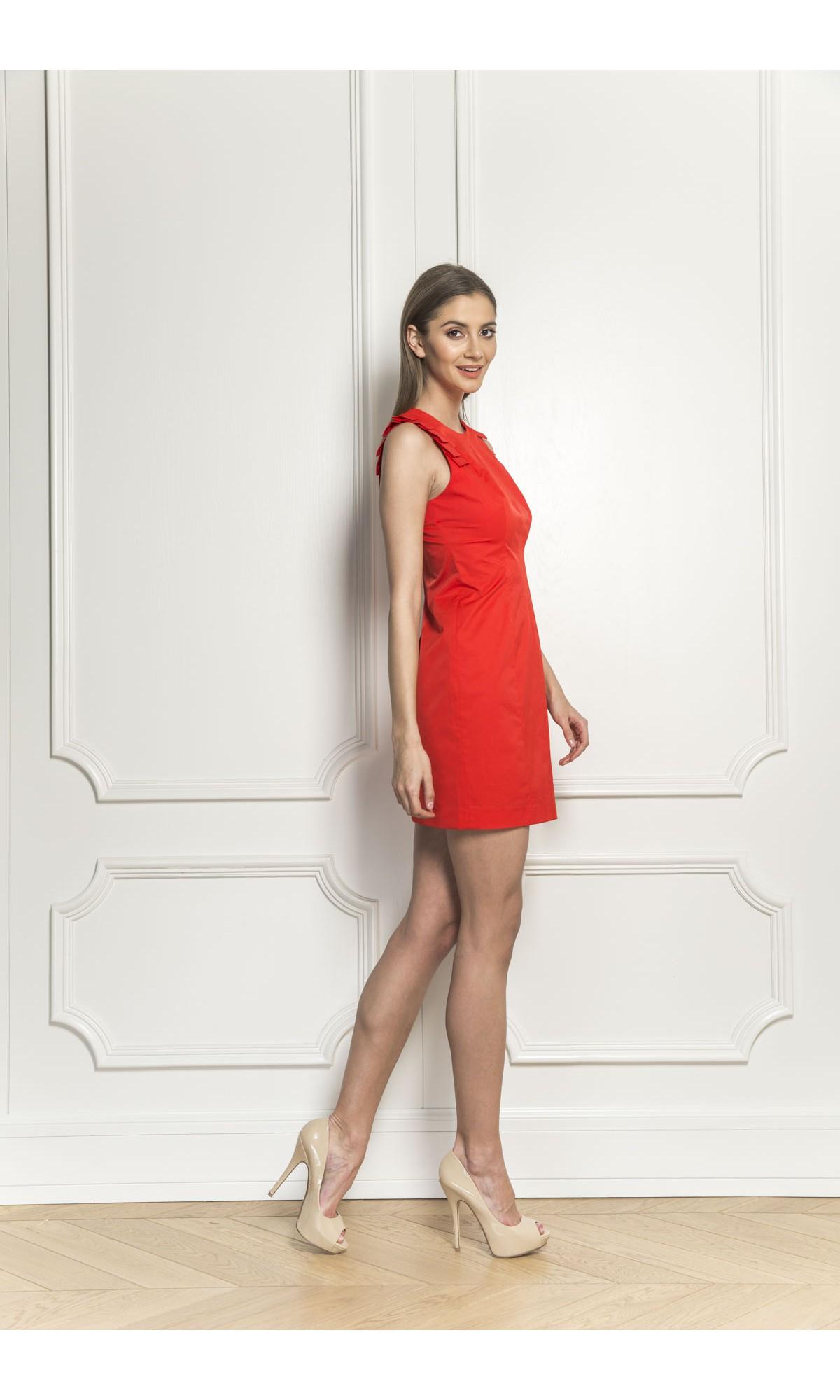 Sukienka z plisami, w kolorze czerwonym