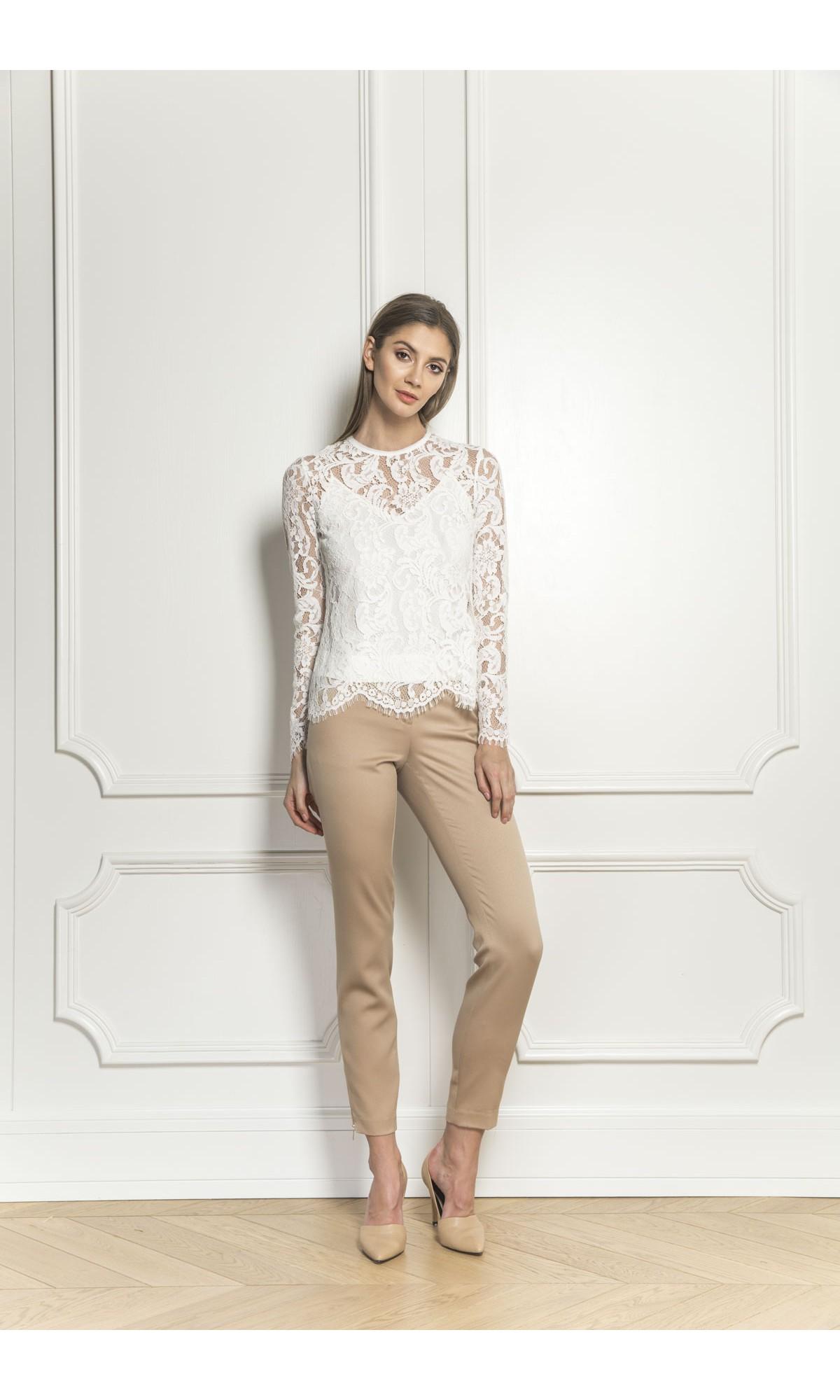 Bluzka koronkowa w kolorze białym