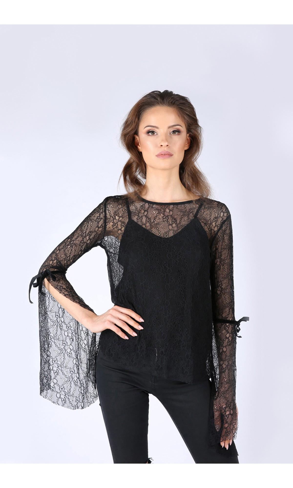 Bluzka koronkowa w kolorze czarnym
