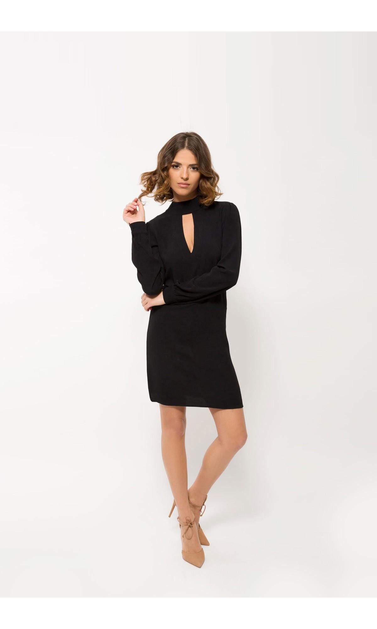 Sukienka mini w kolorze czarnym