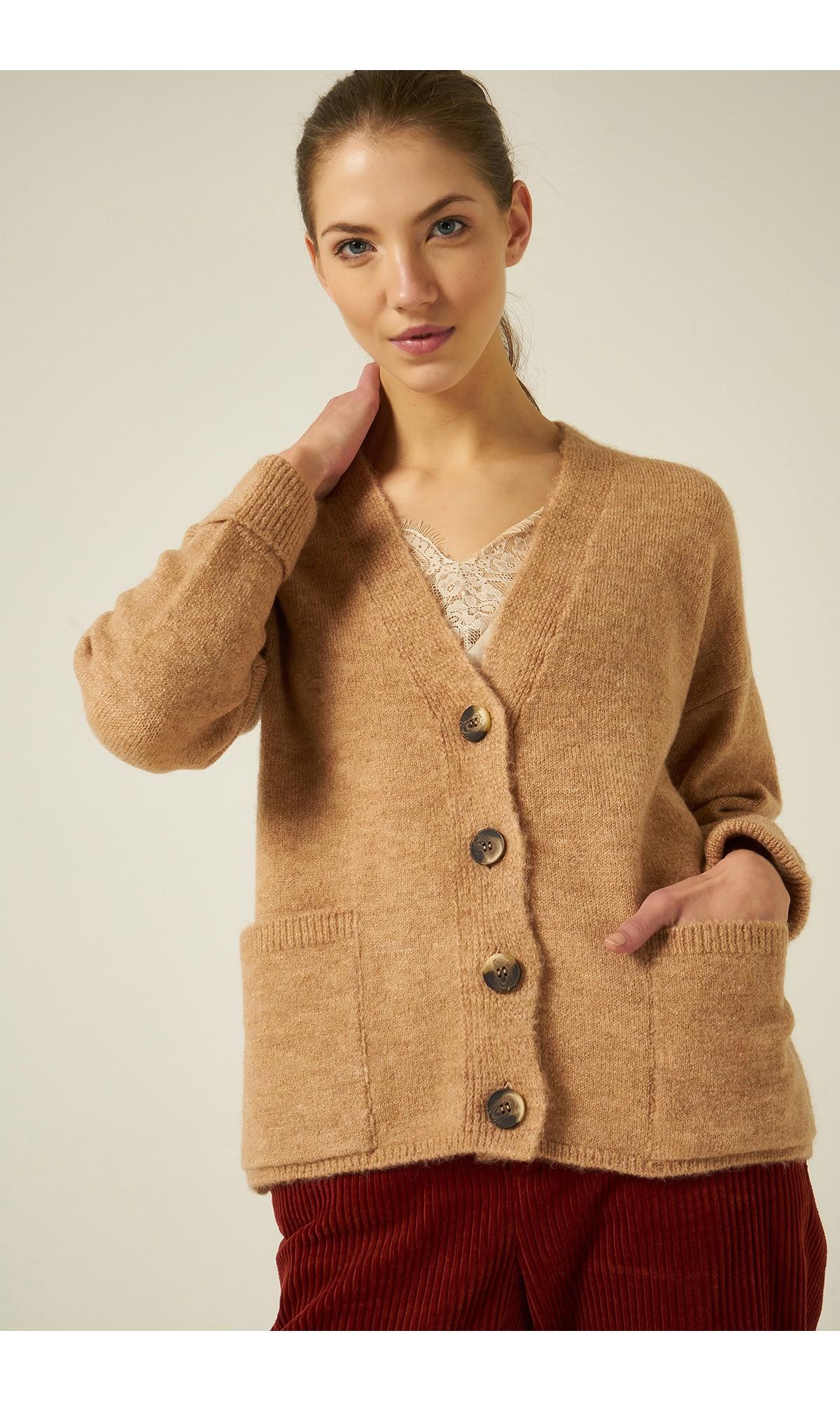 Sweter zapinany w kolorze kamelowym