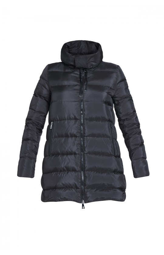 Kurtka zimowa Tiffi w kolorze czarnym z kapturem, puchowa