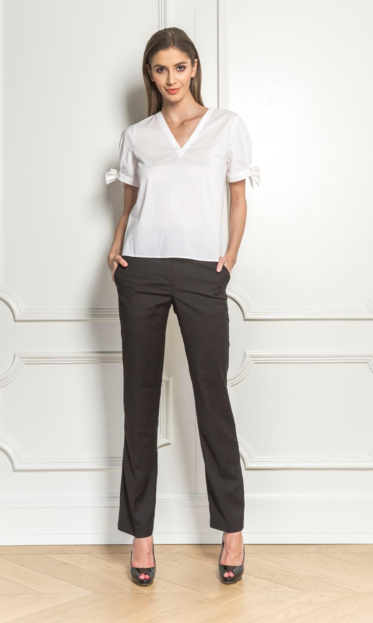 Bluzka koszulowa z kokardami, w kolorze białym